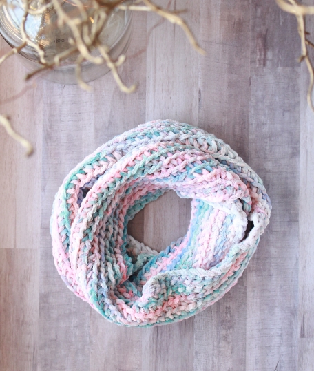 The monet cowl free crochet pattern